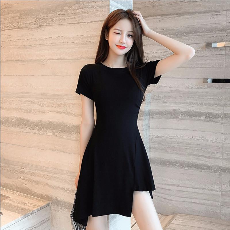 秋季2021流行赫本风小黑裙热销修身显瘦不规则可盐可甜连衣裙女