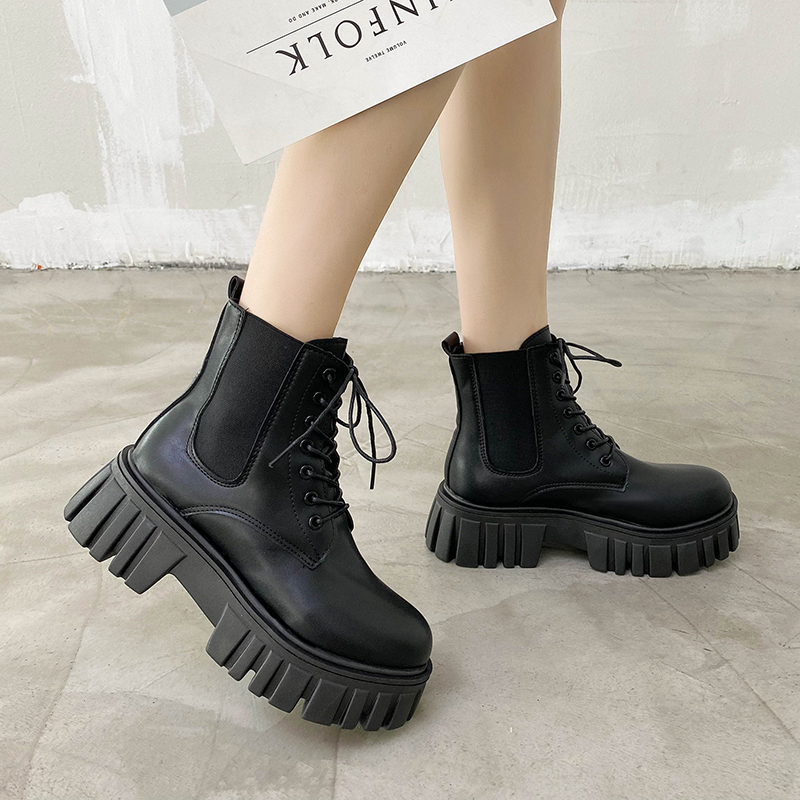 Thick soled Martin boots womens fashion ins cool autumn increase handsome black lace up motorcycle cool British style versatile short boots