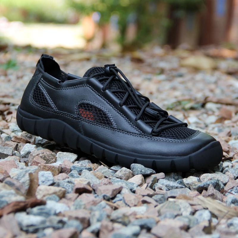 アウトドアシューズ男子登山靴トカゲ同本革徒歩靴網面通気性の高い男性用スニーカー