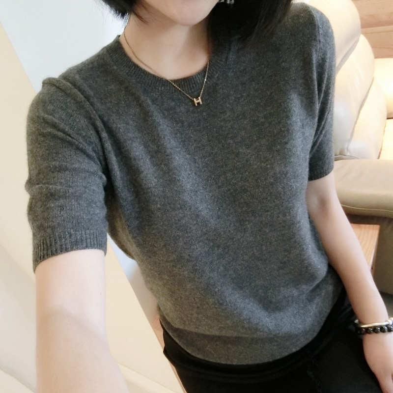Spring and autumn new round neck Pullover solid color wool short sleeve sweater womens loose Korean half sleeve knitted bottom sweater