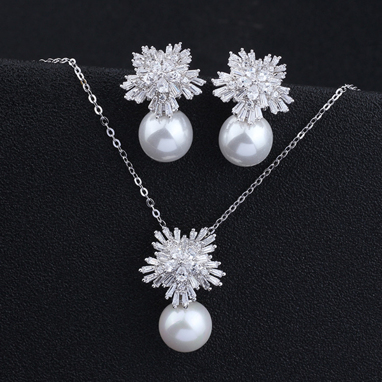 High end snowflake zircon inlaid Earrings 925 silver pin Earrings Shell Pearl Bridal Earrings