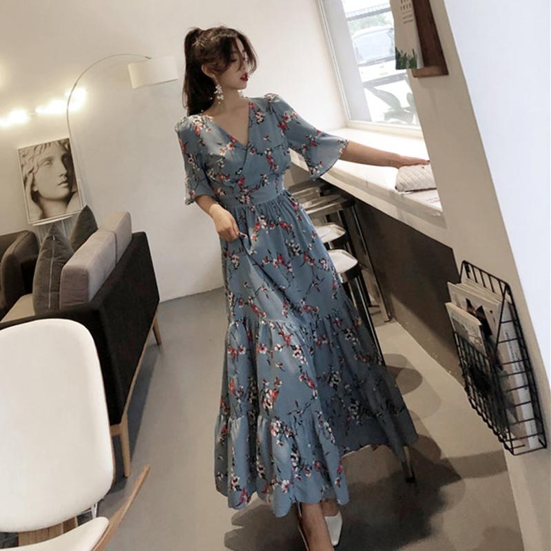 2019夏装很仙的法国小众V领桔梗长裙女大码胖妹妹显瘦雪纺连衣裙