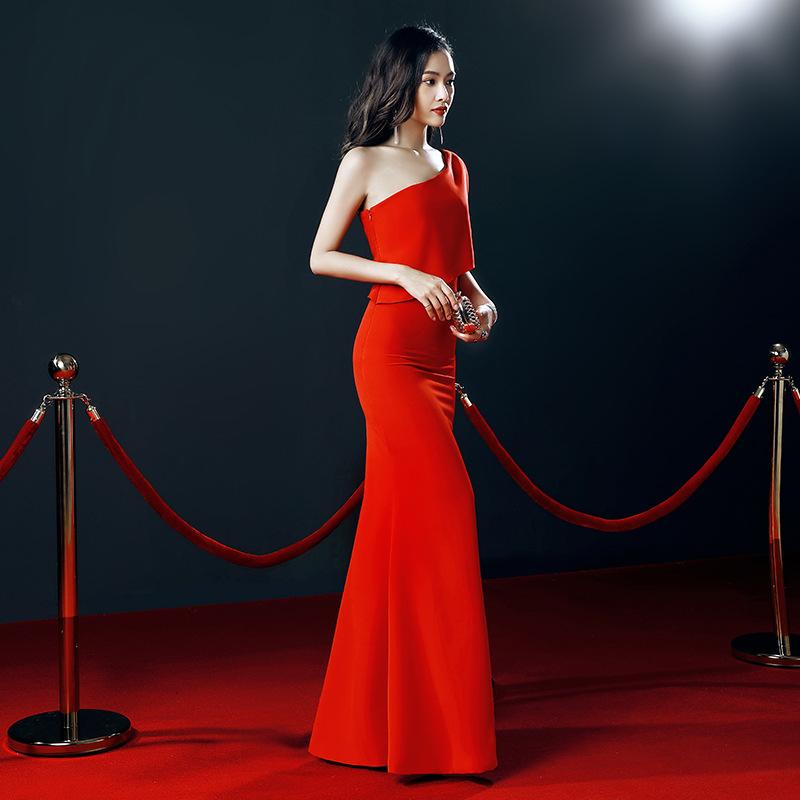 红白黑色长款单斜肩简单气质晚装宴会女主持人新娘敬酒婚纱晚礼服