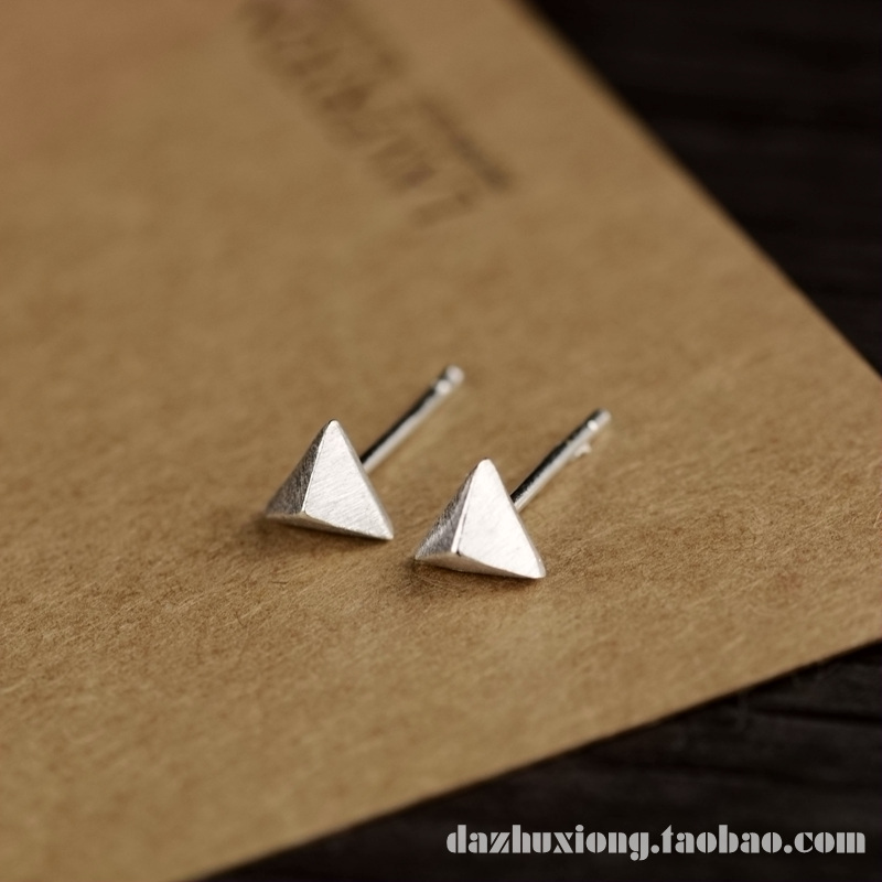 Big pig bear three-dimensional Triangle Earrings 925 pure silver wire drawing personality versatile simple ear hole men and women