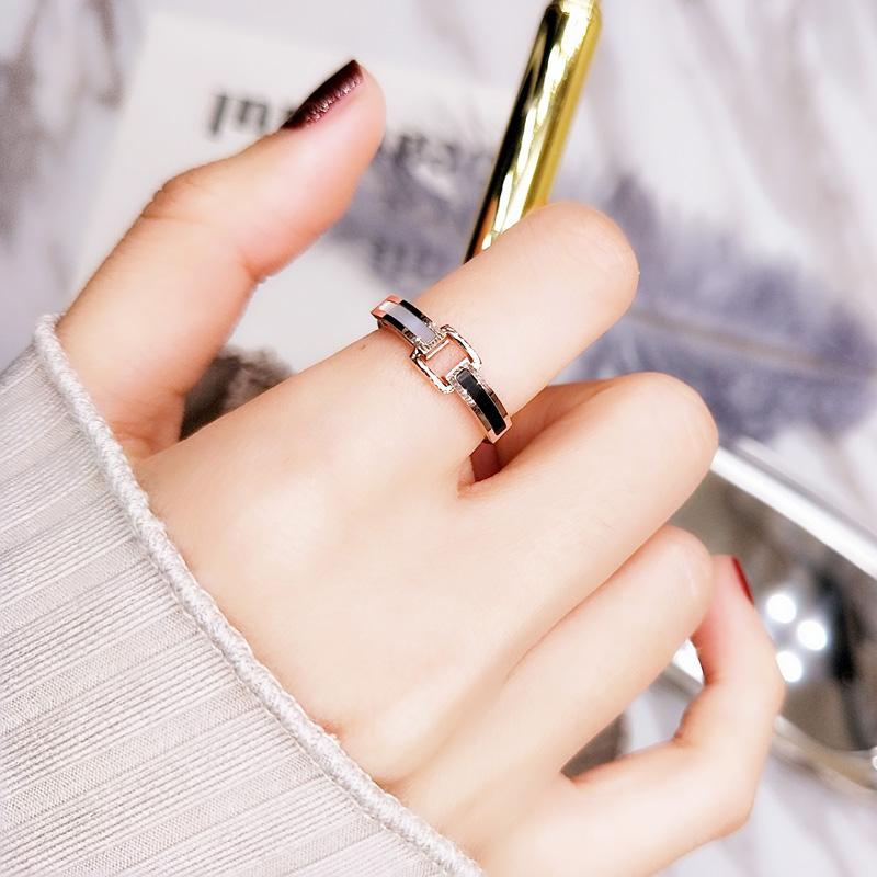 韩国黑白贝壳戒指女简约日韩潮人个姓食指环饰品网红戒子钛钢介子