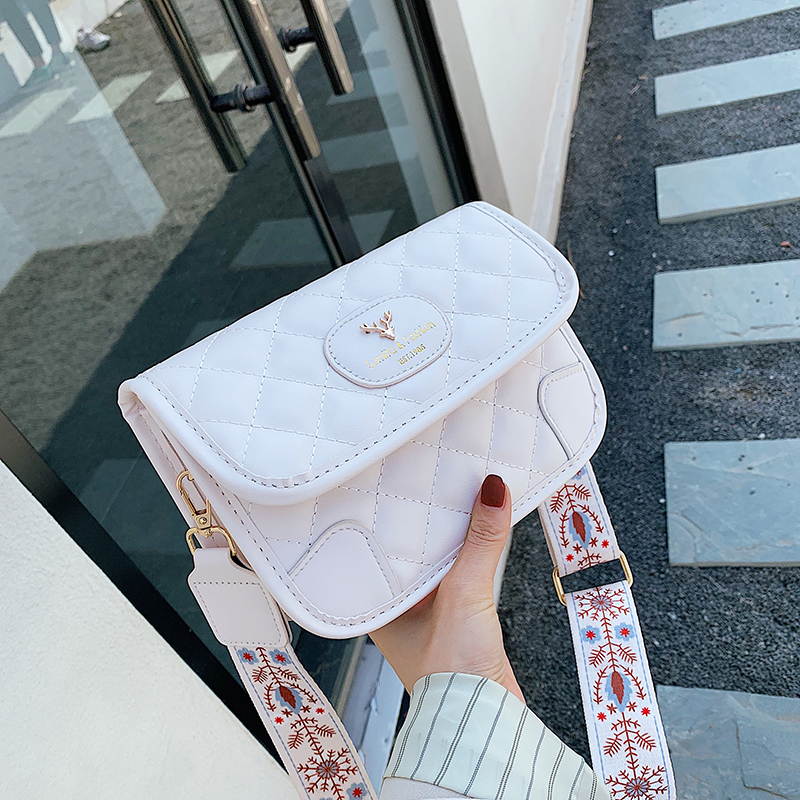 2020 new womens Shoulder Bag Messenger Bag with retro small square bag trend large capacity simple texture bag for women