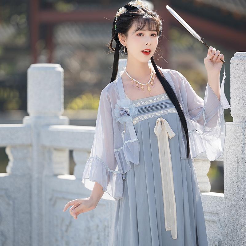 2021年夏季新款改良汉元素刺绣吊带百迭连衣裙开衫两件套