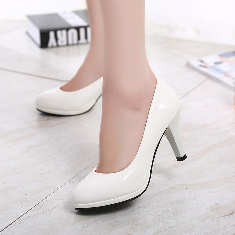 大码女鞋41-43秋女士皮鞋细跟圆头中跟单鞋黑白色高跟鞋5-7-10CM