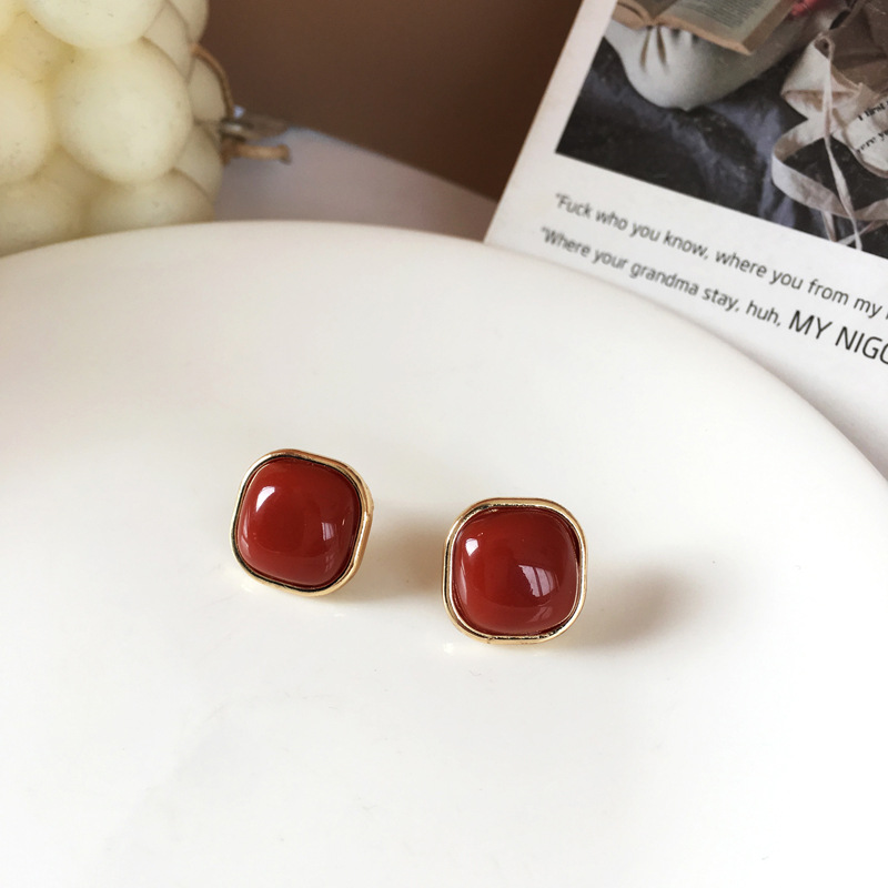 Simple and compact geometry retro wine red temperament Earrings fashion personality cool style short earrings for women