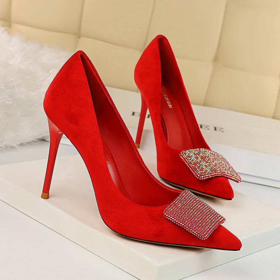 825-2韩版高跟鞋性感宴会女鞋细跟高跟绒面浅口尖头闪亮水钻单鞋