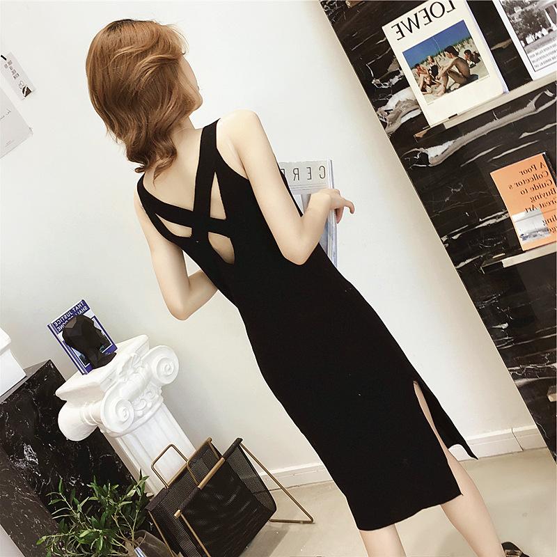 2018夏装新款韩版中长款露背开叉吊带针织连衣裙女chic修身小黑裙
