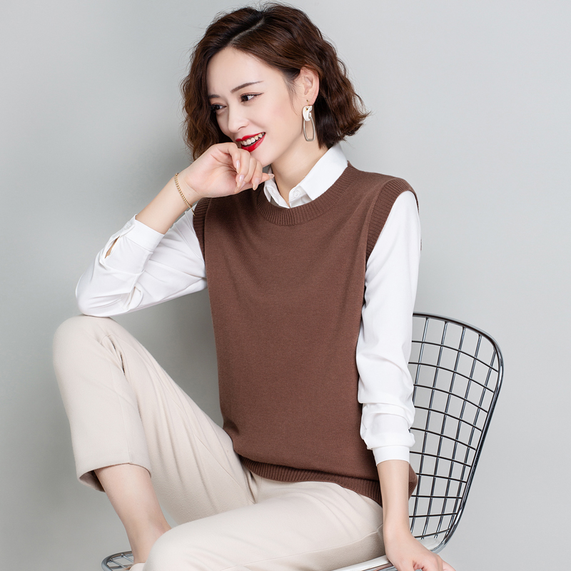 Early spring and autumn thin wool vest womens Knitted Vest loose and versatile V-neck short sleeveless sweater waistcoat