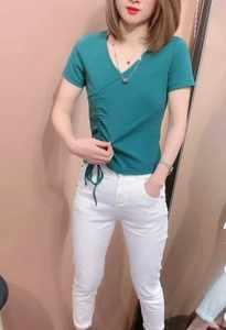 大码短袖T恤女针织衫夏季新款胖妹妹百搭打底衫抽绳V领上衣女