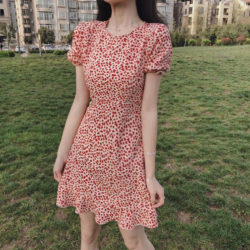 (用123元券)娇小个子155显高搭配碎花短款连衣裙女145矮个子xs显瘦复古连衣裙