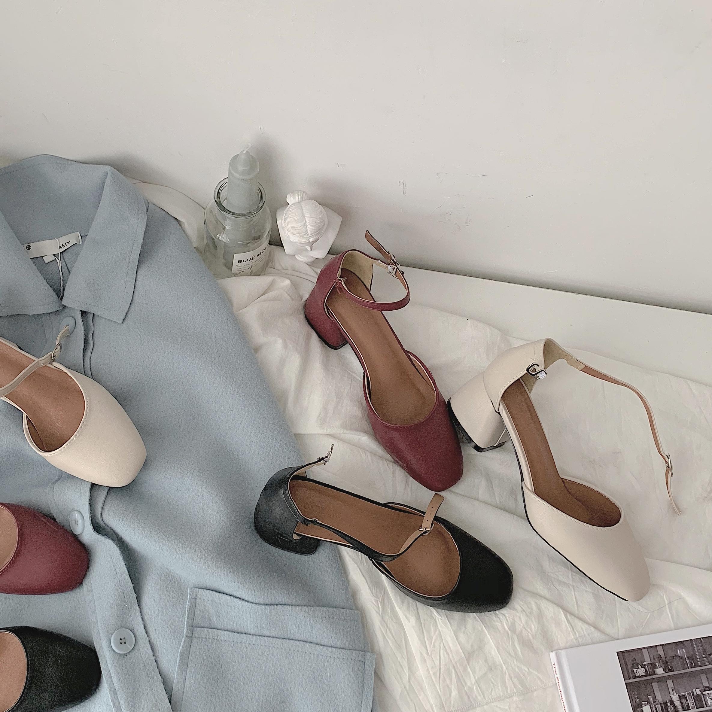 高跟鞋女2019夏季新款复古港风一字扣温柔风玛丽珍鞋中跟粗跟凉鞋