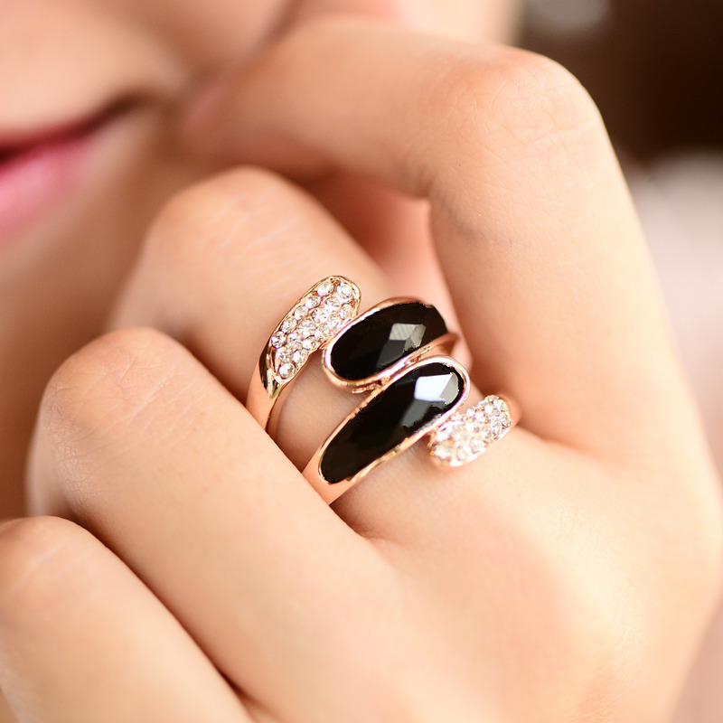 European and American exaggeration individuality jewelry ring female, Japanese and Korean Chaoren index finger black fashion Rose Gold Gemstone big ring