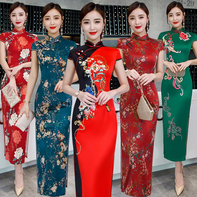 日常旗袍长款2019新款时尚改良印花丝绸连衣裙大码演出走秀妈妈装