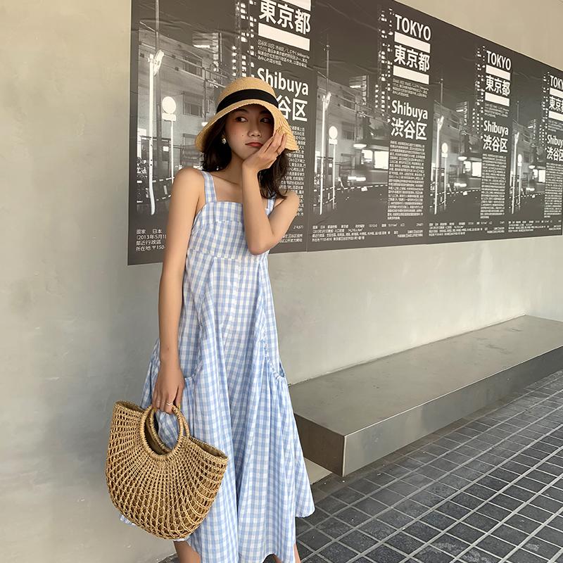 12月02日最新优惠2019新款流行裙子法国小众吊带裙温柔蓝色格子吊带连衣裙夏小清新