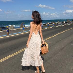 巴厘岛度假粉色流苏吊带露背连衣裙超仙显瘦大摆海边度假沙滩长裙