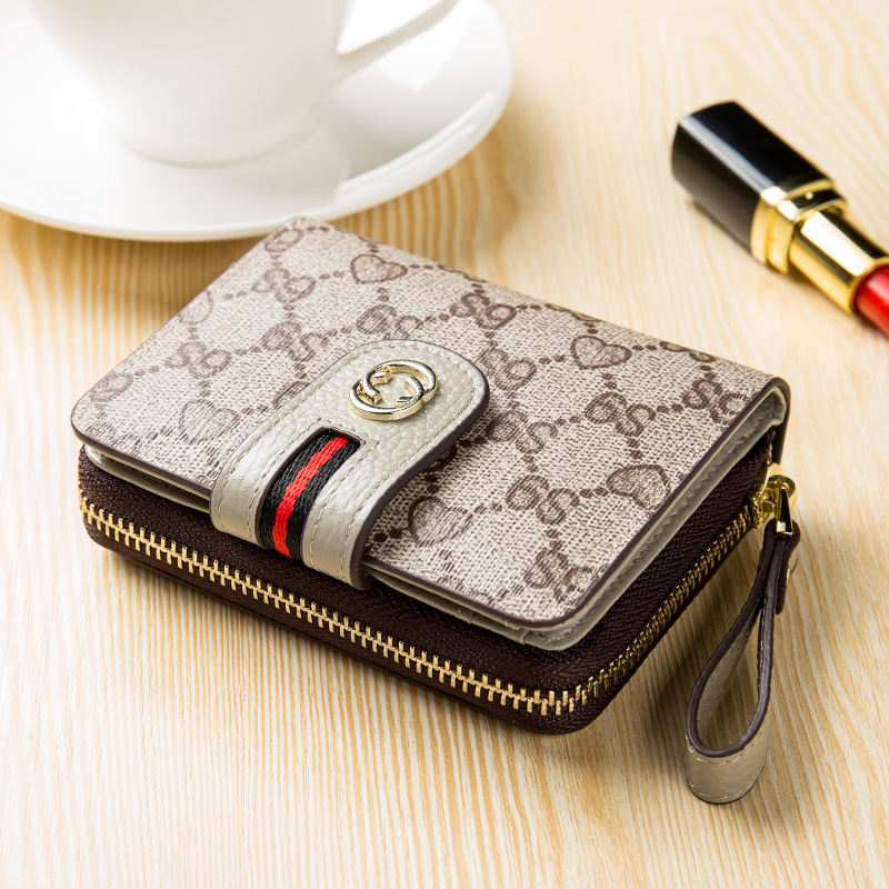 2018 new short multi-function womens Leather Multi card bag leather zipper wallet printed fashion buckle Wallet