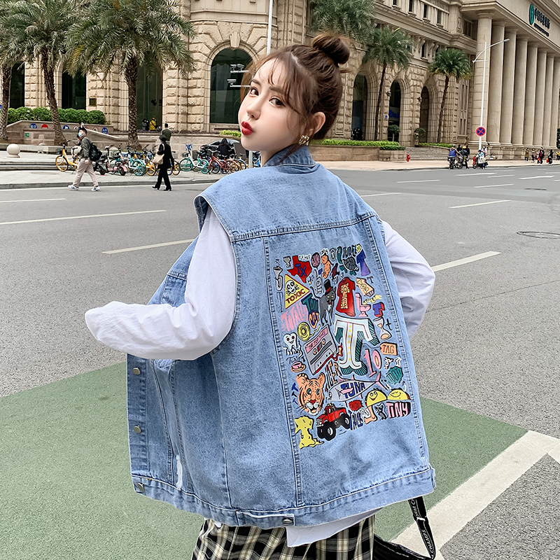 Actual shooting: spring and summer 2021 new denim vest, womens fashion womens loose sleeveless jacket BF, versatile vest, outside