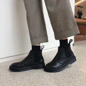 马丁靴女英伦风学生韩版百搭2019春秋新款冬季黑色短靴子女鞋单靴