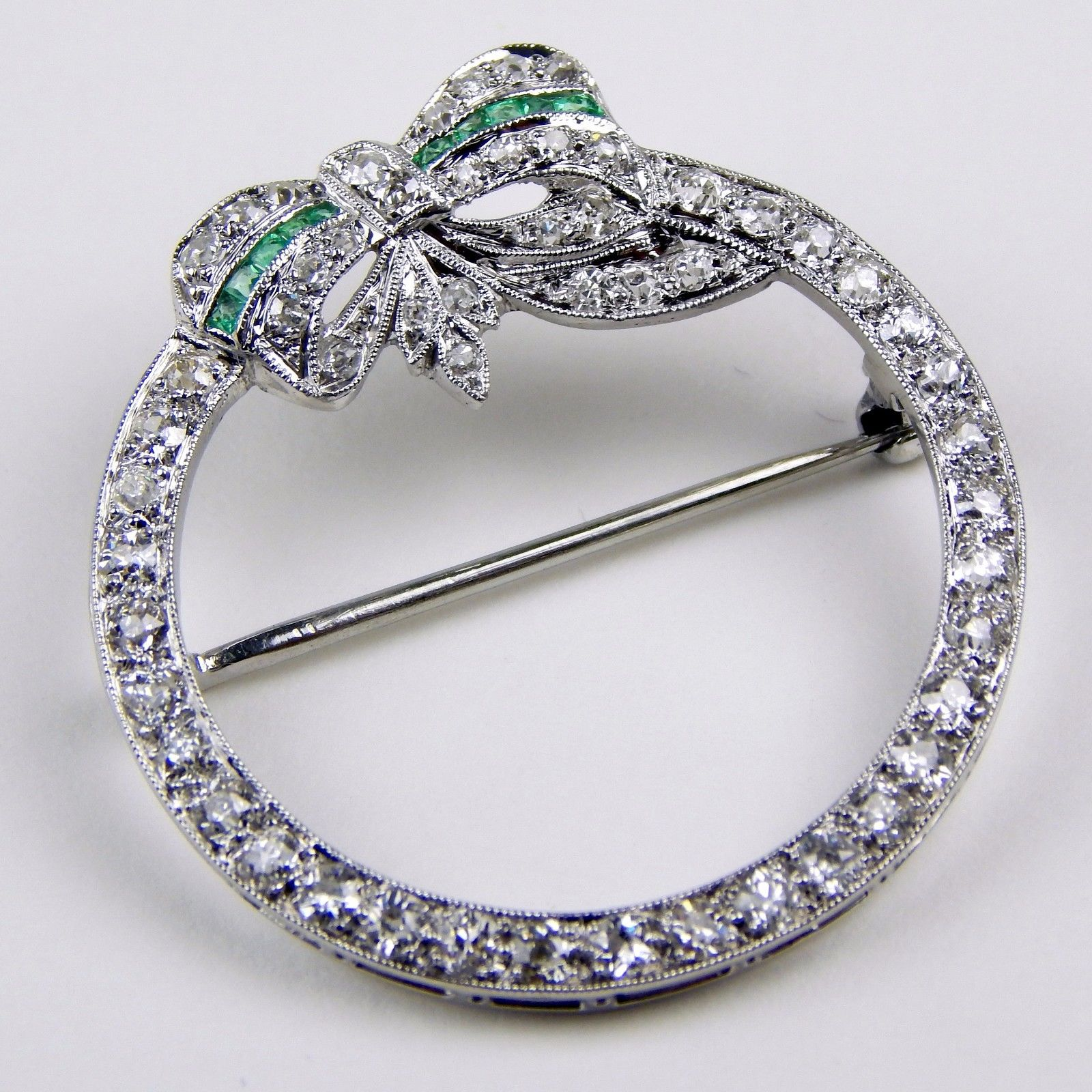 Buy antique art decoration bow brooch pin pin platinum a1683 green gemstone diamond ring female accessories