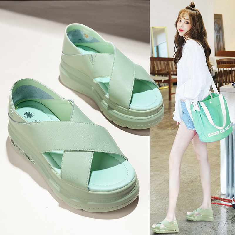 真皮小雏菊罗马凉鞋夏季仙女风2020年流行女鞋新款鞋子夏天两穿潮