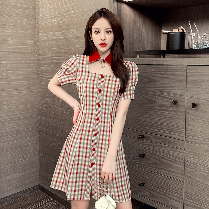 [Korean stand collar Red Plaid Dress] net red 2020 summer clear and fashionable slim dress