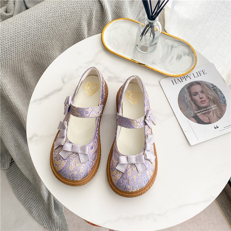 2021 summer new shallow mouth round head Velcro lazy shoes soft soles Lolita retro embroidered Mary Jane womens shoes