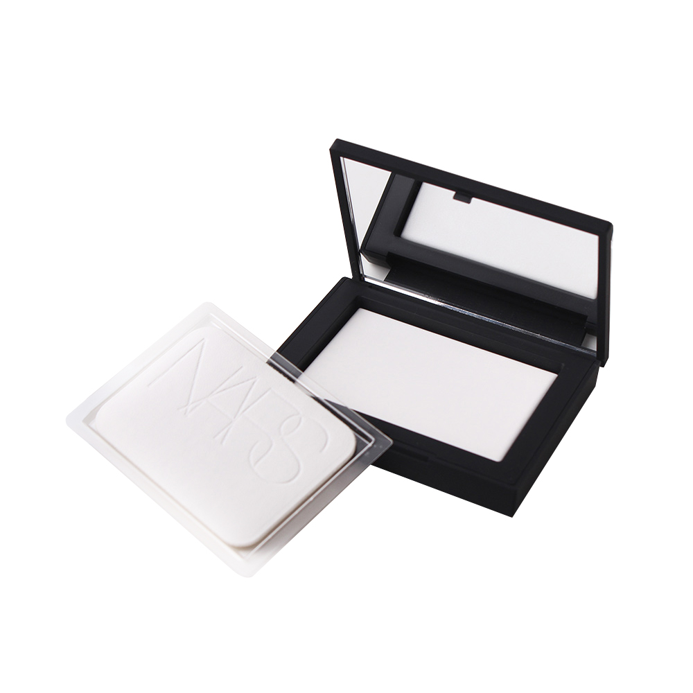 American NARS/ Nash imports light sensitive honey powder powder powder, nude make-up, durable makeup, dry and concealing.