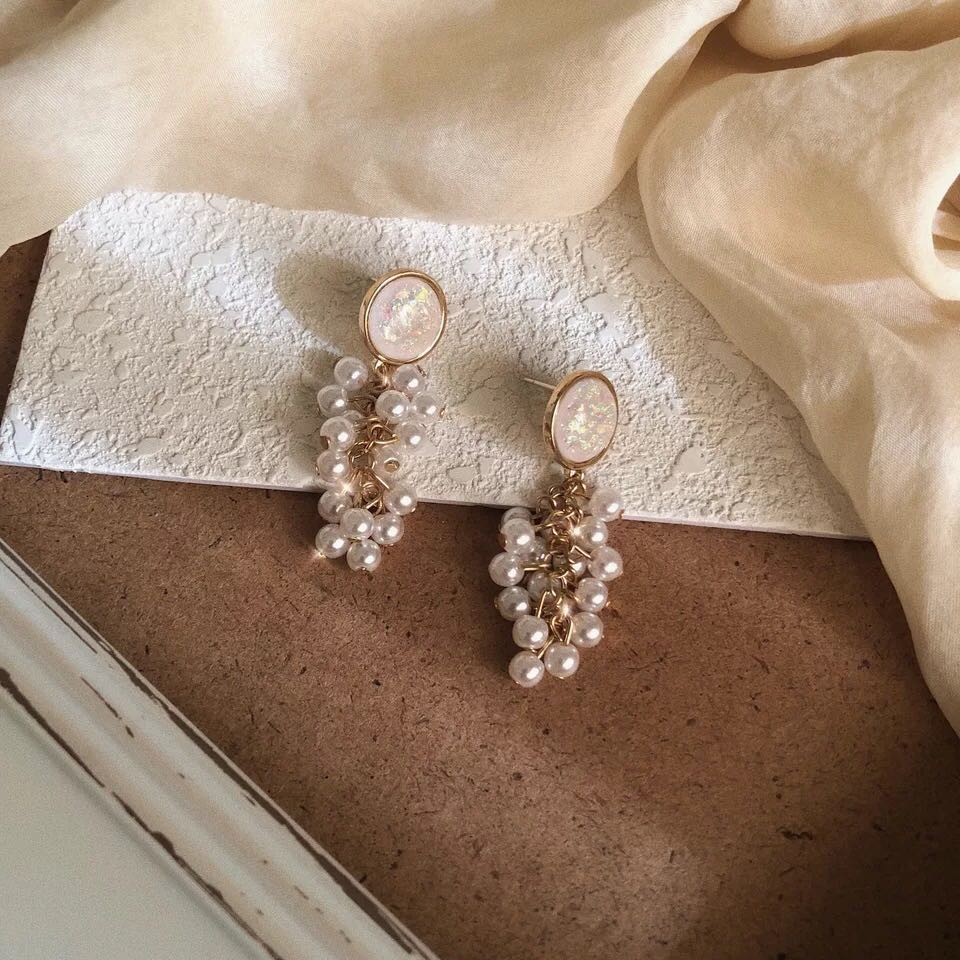 Xie Er Jian simple and lovely jewelry womens Retro round glittering gravel pearl grape ear Clip Earrings 925 Silver
