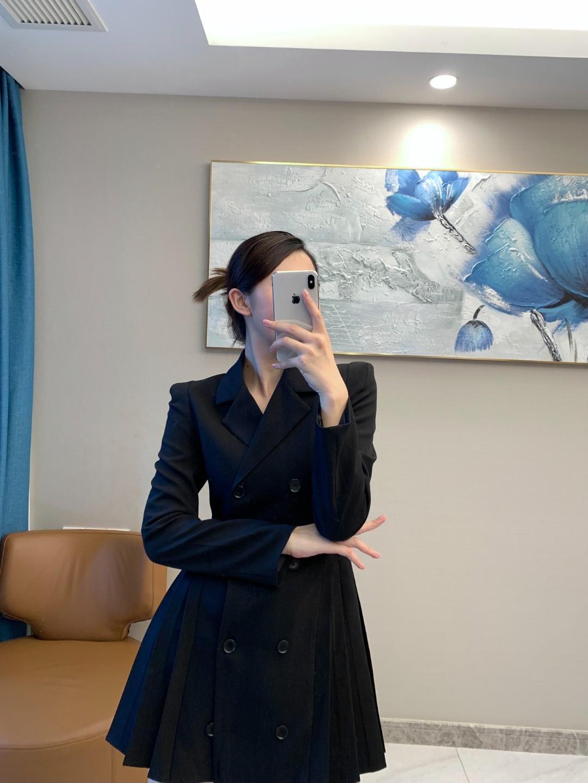 秋季西装连衣裙女2021新款设计感气质网红休闲小西服女通勤工装潮