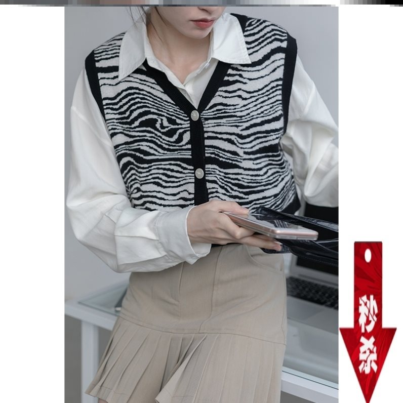 Autumn 2020 fashion knitted waistcoat womens warm three-dimensional pattern fairy students popular vest with light and comfortable