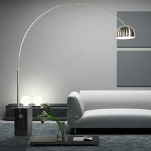 ミニマル現代のステンレス鋼側柱大理石の釣り灯のヴィラと照明ネットワークの結晶の縦の赤と白の羽のフロアランプリビングルームの書斎の寝室のベッドサイドランプのアンカーライト