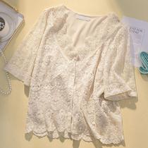 加大码女装夏季宽松镂空蕾丝拼接V领开衫微胖妹妹mm短袖衬衫上衣
