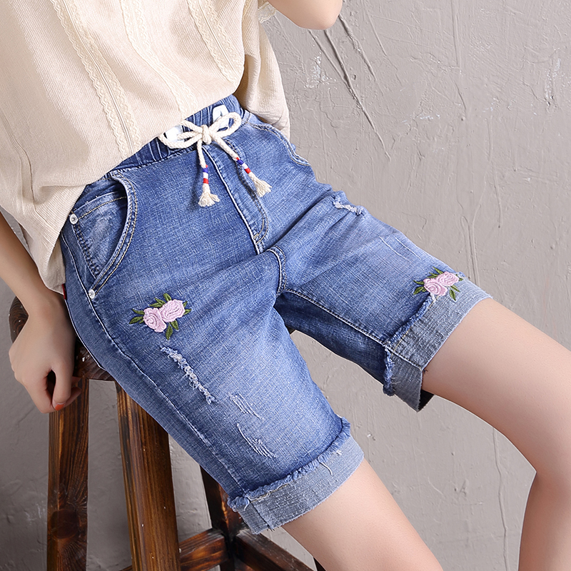 2020 new embroidered perforated 5-point stretch denim shorts for womens loose and thin 5-point pants with large curled hem