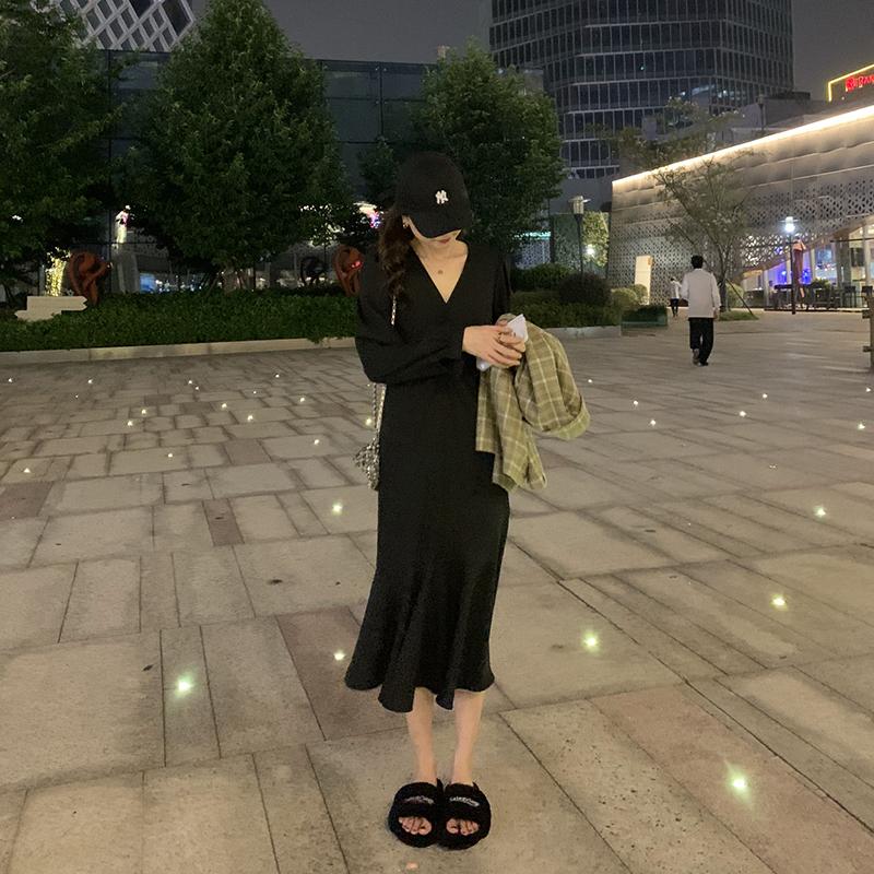 【胡楚靓 尼罗河花园】法式黑色连衣裙早秋雪纺V领长袖碎花裙子女