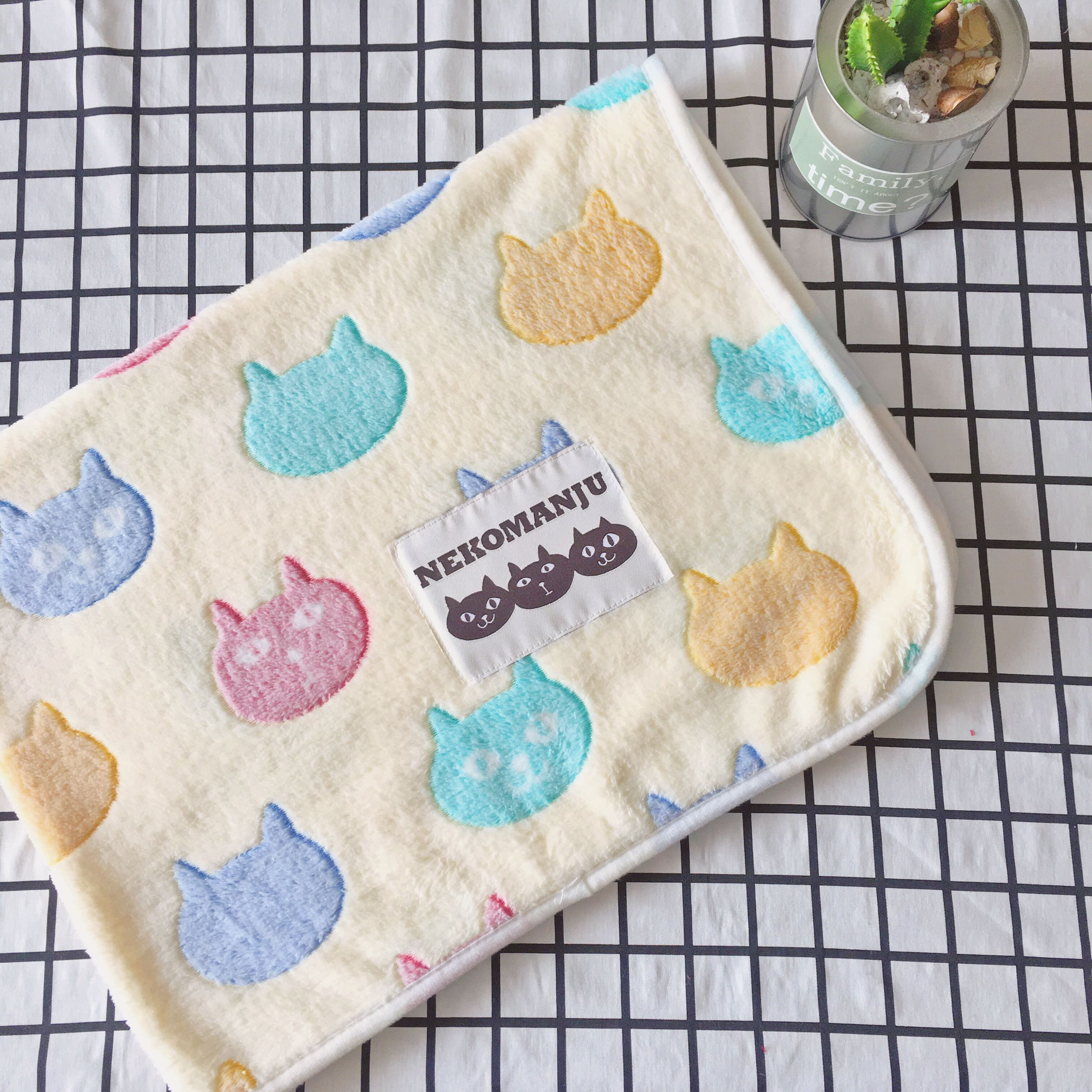 个性创意时尚可爱猫头法莱绒毛毯办公室膝盖毯四季薄毯空调毯子