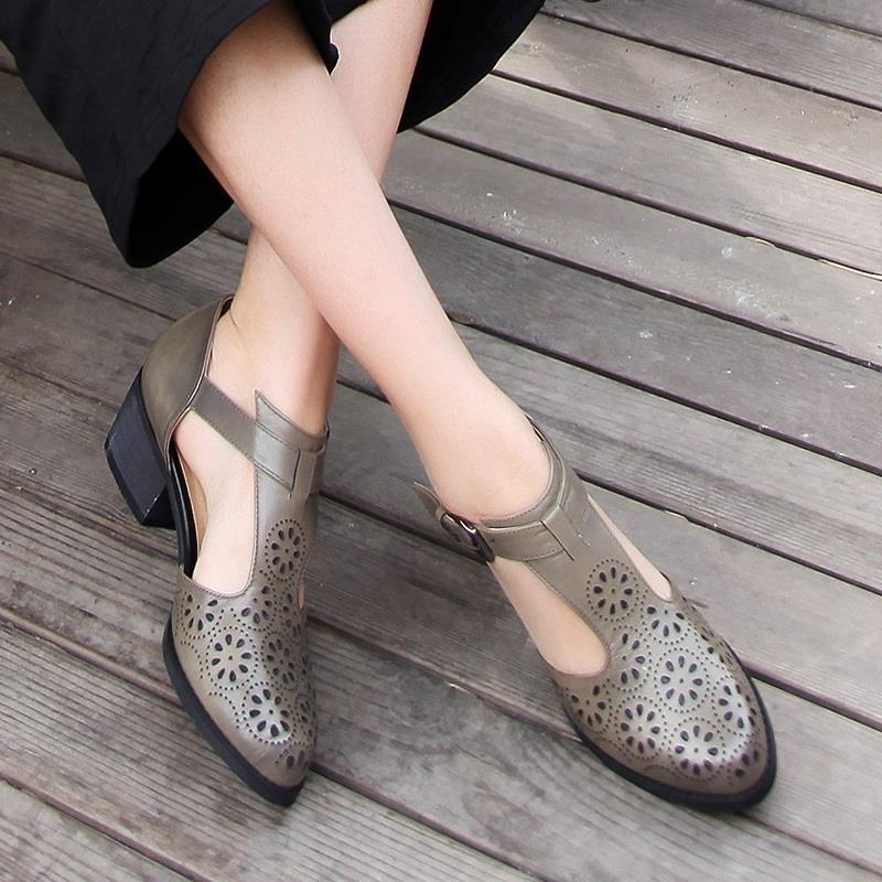 2019夏季新款英伦风复古女鞋中跟包头单鞋真皮镂空大码皮鞋皮凉鞋