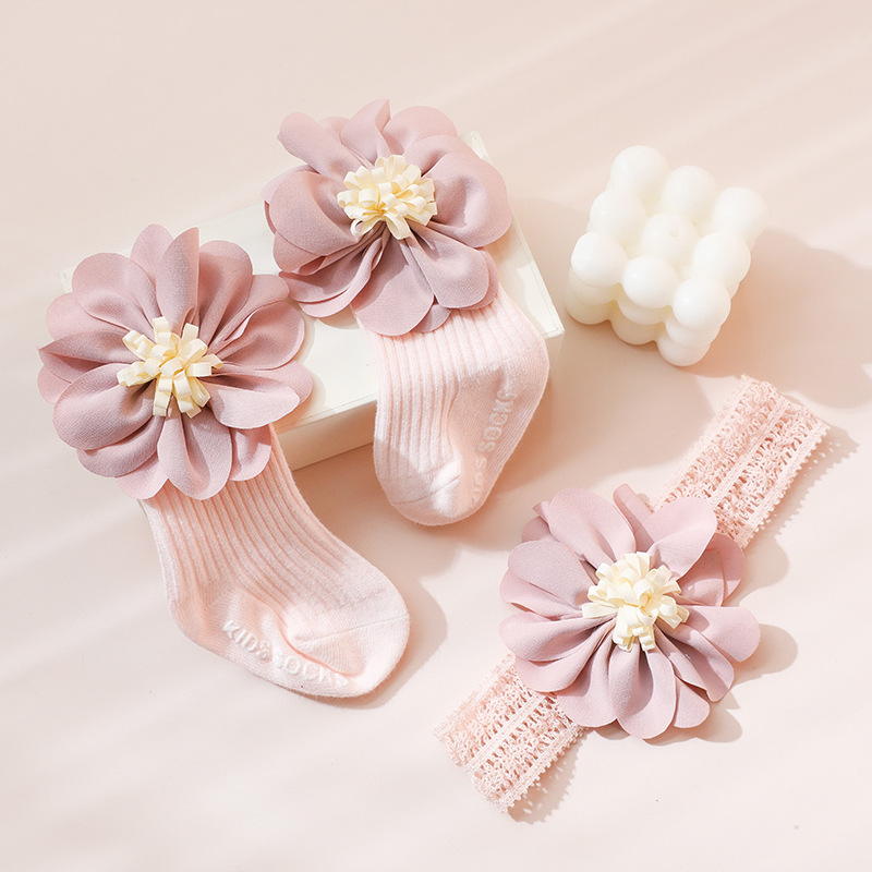 Baby hair with socks gift box set Princess wind baby middle tube socks hundred days full moon gift cute super cute hair accessories