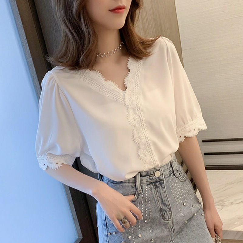 White Chiffon very fairy top foreign style shirt short sleeve women summer new lace lace lace show thin V-neck shirt