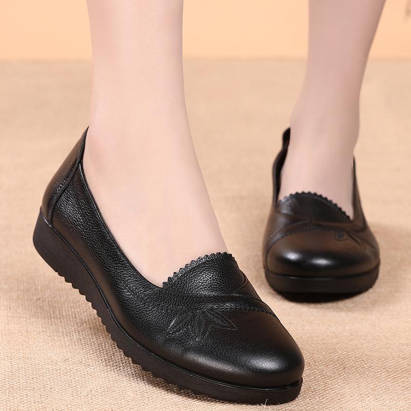 老奶奶平底单鞋43特大码中老年软皮软底女鞋33小号34妈妈真皮鞋41