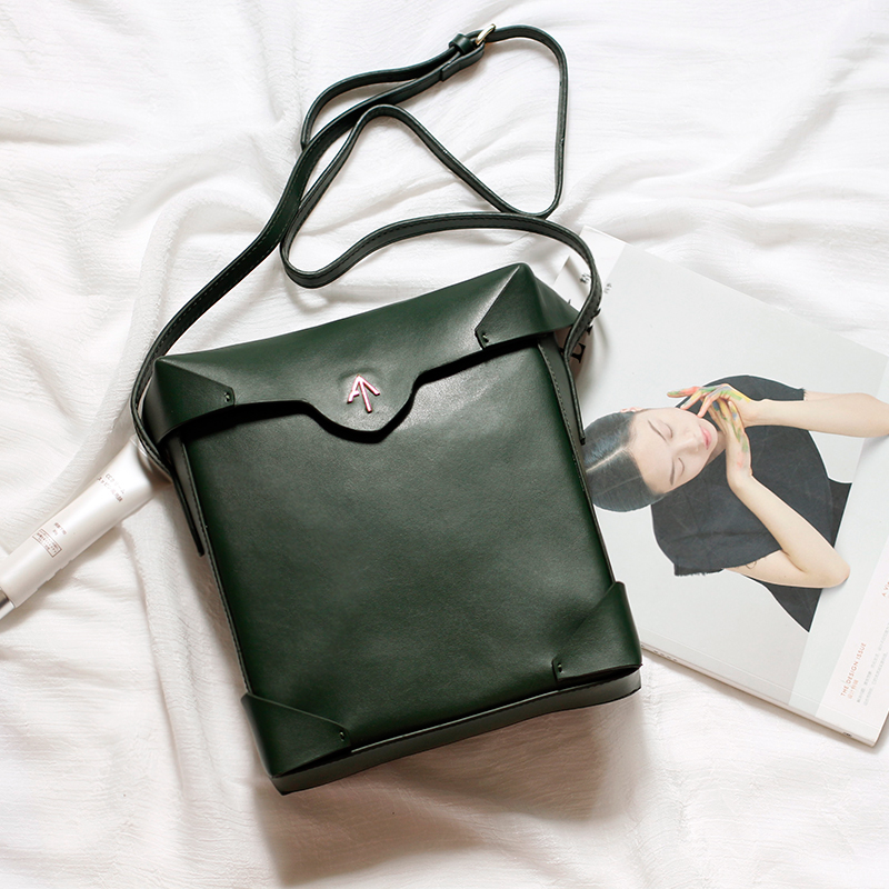 Hand bag manu womens bag leather small square bag retro arrow bag shoulder bag oblique straddle bag cowhide bag
