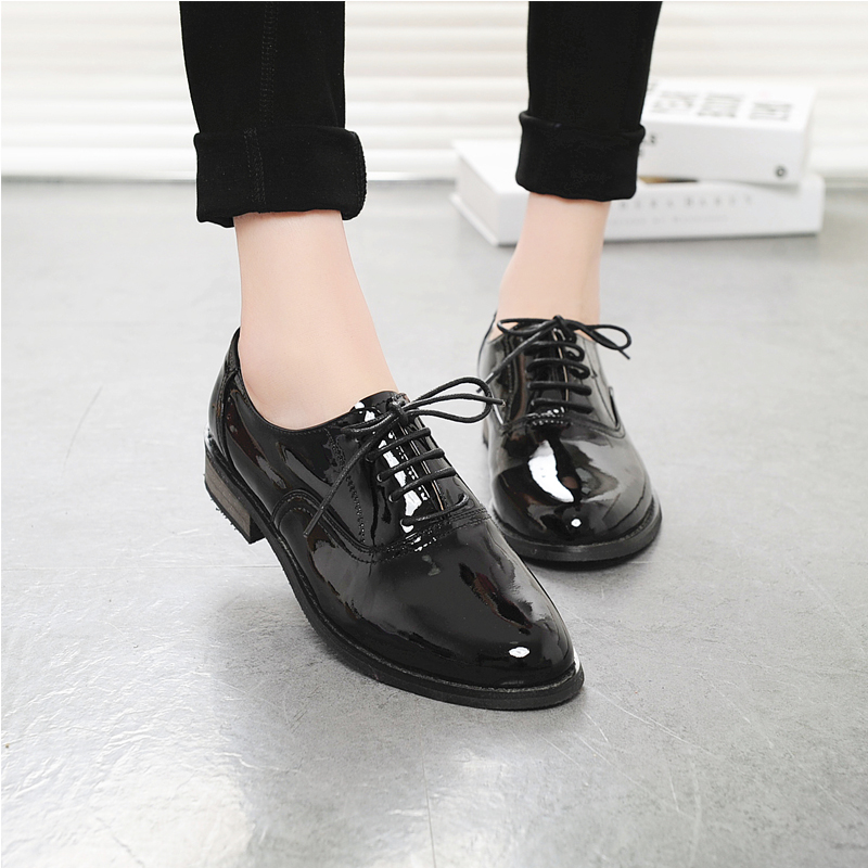 Black shiny patent leather British retro handmade leather Oxford Shoes for men and women inner high pointed single shoes block shoes