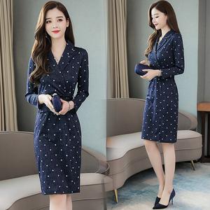 有女人味的长袖连衣裙2019年秋季新款韩版时尚气质显瘦包臀波点裙
