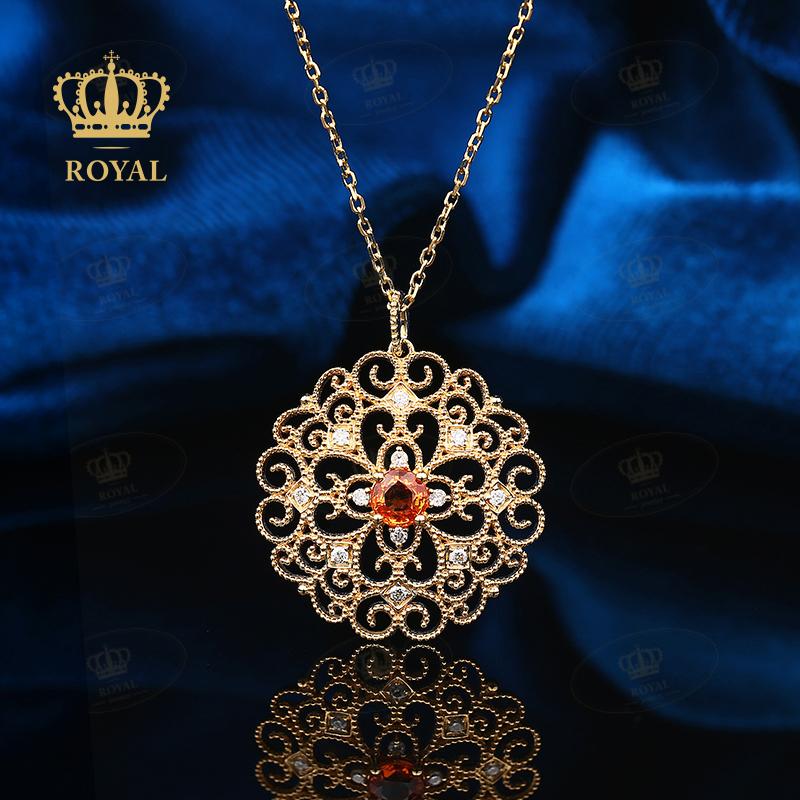 ROYALJEWELRYオレンジのサファイアレースのネックレスのペンダントが小さいです。贅沢なジュエリーの復古宮廷ダイヤモンドです。