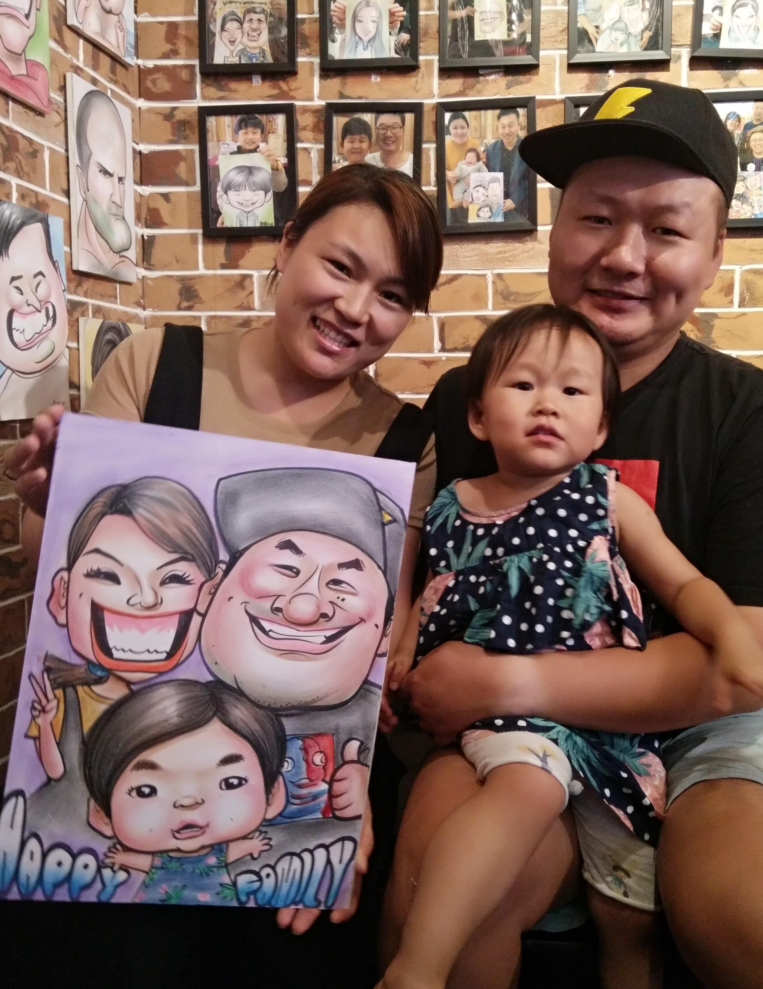 大尺寸三人全家福画像 漫画像定制 夸张画像