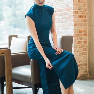 2020新纯色旗袍中长款气质中国风日常仿真丝全盘扣古法旗袍民国蓝