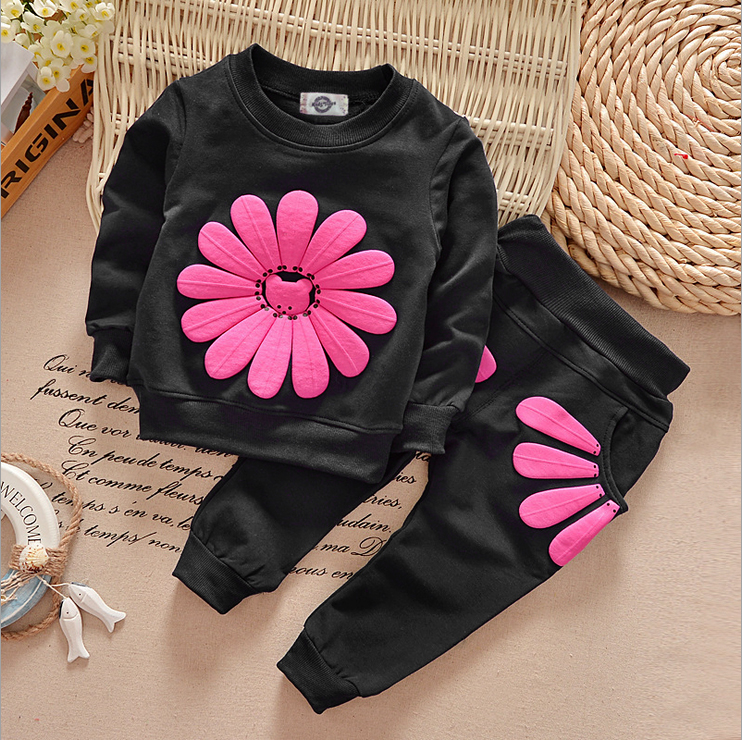 Girls Autumn 2017 new cotton suit autumn influx of European and American 1 2 baby clothes, baby flower children 3 years old